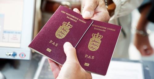 """Vi har skabt over 500 spørgsmål baseret på Danmarks officielle studieguide, """"Folkestyre og hverdagsliv i Danmark"""" - 2014."""